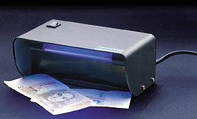 UV-tesztlámpa